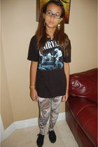 Hot Topic shirt - Forever 21 leggings - Vans shoes