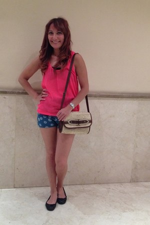 BLANCO bag - Primark shorts - Zara top - BLANCO flats
