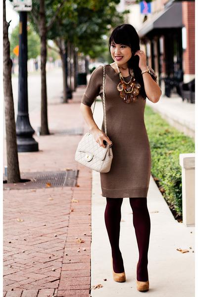 nude teteo Amrita Singh necklace - mustard suede Wild Pair shoes