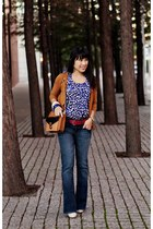 blue Better B shirt - off white Gabriella Rocha boots - tawny melie bianco purse