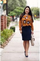 gold Dailylook necklace - light orange Phillip Lim x Target sweater