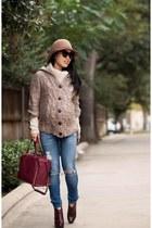 light brown Nordstrom hat - violet AG Jeans jeans