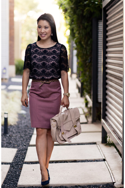 navy suede Loft shoes - light pink pencil J Crew skirt