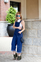 blue Elizabeth and James sunglasses - navy Chanel bag - navy Sheinside jumper