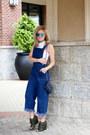 Navy-chanel-bag-blue-elizabeth-and-james-sunglasses-navy-sheinside-jumper