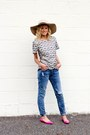 Blue-current-elliot-jeans-light-pink-kittenish-hat