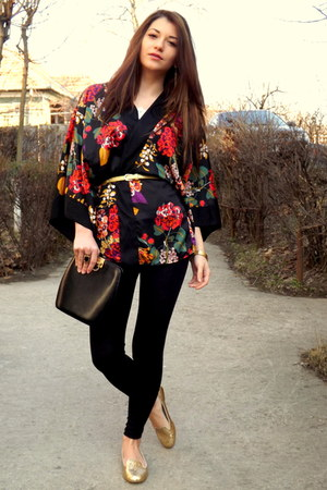 black simple Sprider Store leggings - black detailed kimono H&amp;M blazer