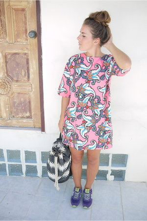 paisley Missguided dress
