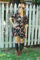 brown justin style vintage boots - black grunge Neo Nostalgia dress - pink rose