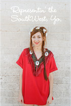 red SouthWest t-shirt - white KittenPaws accessories