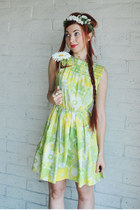 chartreuse flower pattern vintage dress - white Kitten Paws accessories