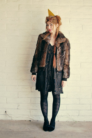 black gold print Chesley dress - dark brown fur coat Dino Rico coat