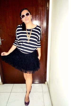 black H&M shirt - black tutu Max skirt - magenta Bata flats