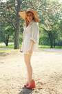 Tan-loris-shoes-hat-ivory-vintage-blouse-coral-loris-shoes-wedges
