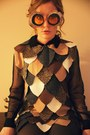 Brown-owl-costume-diy-dress-burnt-orange-owl-eyes-diy-glasses