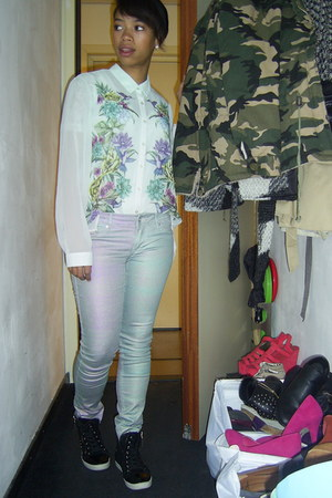 flowers H&M blouse - multi color H&M jeans - camouflage the Sting jacket