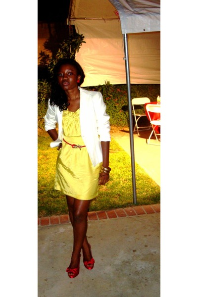 yellow Bebe dress - red kate preston shoes - beige gifted ann taylor accessories