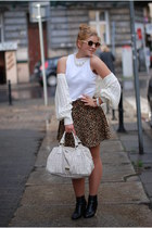 River Island top, leopard skirt and six sunglasses