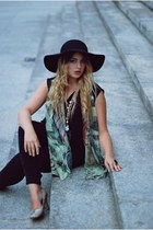black wool Claires hat - black harem pants Bershka pants
