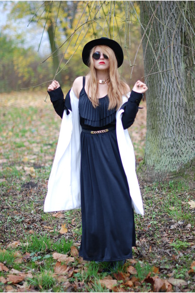 black maxi dress H&M dress - white River Island coat