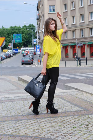 black Centro leggings - black leather bag Chanel bag - yellow H&M top