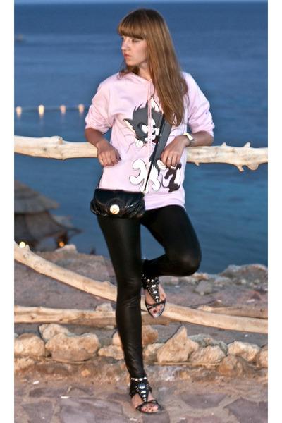 Black No Brand Leggings Black Karen Millen Sandals Bubble Gum No Brand Hoodis | u0026quot;Tomu0026#39;nu0026#39;Jerry ...