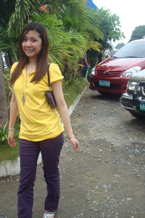 deep purple jeans - yellow shirt