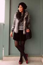 heather gray Zara sweater - black H&M hat - black Marc by Marc Jacobs bag