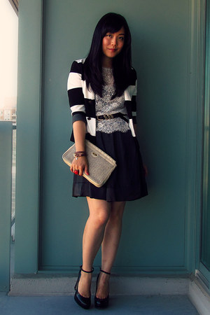 H&amp;M blazer - vintage bag - Forever 21 blouse - Uniqlo skirt - Aldo pumps