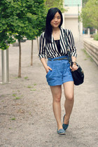striped Oasapcom blouse - black Marc by Marc Jacobs bag - blue H&M shorts