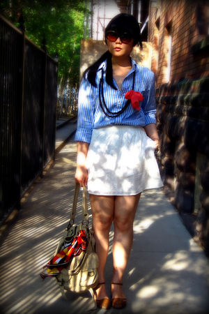 blue Gap shirt - white Urban Outfitters skirt - beige Urban Outfitters purse - b