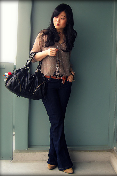 camel Uniqlo blouse - navy parasuco jeans - black Urban Outfitters bag