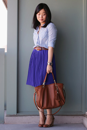 blue pleated banana republic skirt - light blue gingham Old Navy shirt