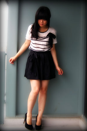 white striped Zara top - black Dolce Vita shoes - black Urban Outfitters skirt