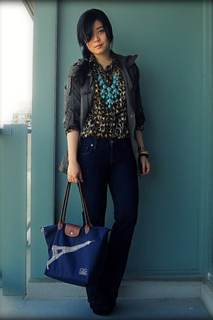 navy parasuco jeans - army green Forever 21 jacket - navy longchamp bag - turquo
