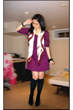 Old Navy dress - Value Village scarf - Forever 21 socks - Aldo shoes - H&M acces