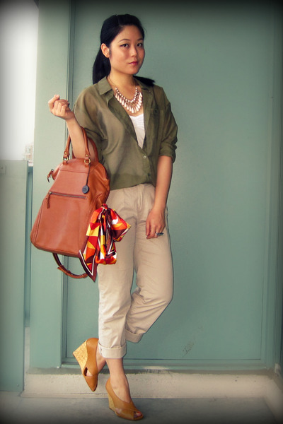 green H&M blouse - beige H&M pants - brown the sak - brown BCBGMAXAZRIA shoes -