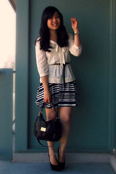 H&M skirt - Marc by Marc Jacobs bag - H&M belt - H&M blouse - Dolce Vita pumps
