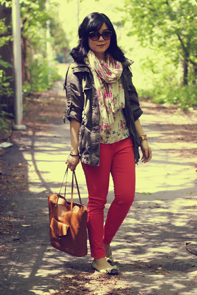 floral print H&M scarf - army green Forever 21 jacket - tawny H&M bag