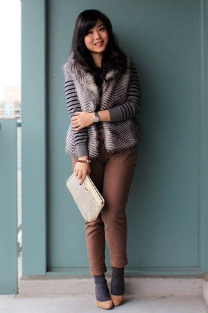 camel Aldo heels - charcoal gray striped joe fresh style sweater