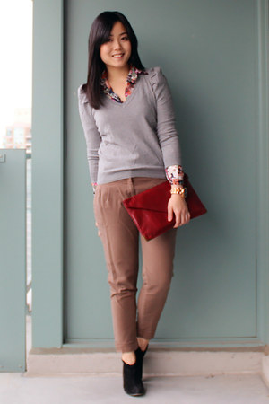 brick red Forever 21 purse - black sam edelman boots - heather gray H&amp;M sweater
