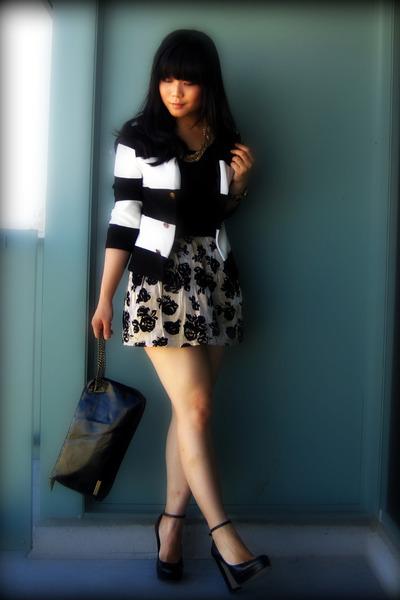 black striped H&M blazer - black platforms Aldo shoes - black paylessess bag