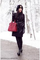Basconi shoes - H&M coat - Kristina Zavarski hat - Benvenuti bag
