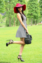 H&M dress - Zara bag - Musette sandals