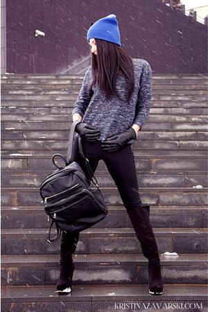 Aldo shoes - H&M hat - Zara blouse