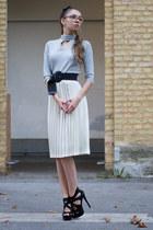 skirt - sweater - heels - belt