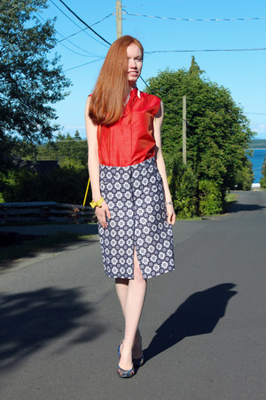 navy Louis Vuitton skirt - blue Emilio Pucci heels