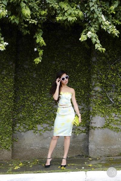 chartreuse WAGW dress