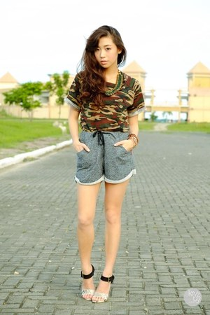 dark green romwe top - charcoal gray WAGW shorts