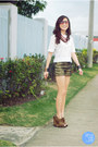 Gold-oh-my-frock-shorts-white-clothes-off-top-brick-red-holic-necklace